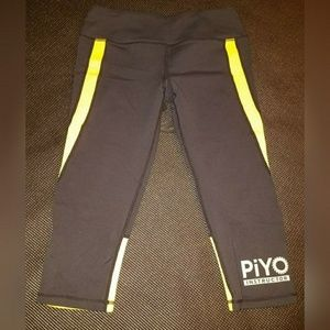 PiYo Instructor Capri Pants